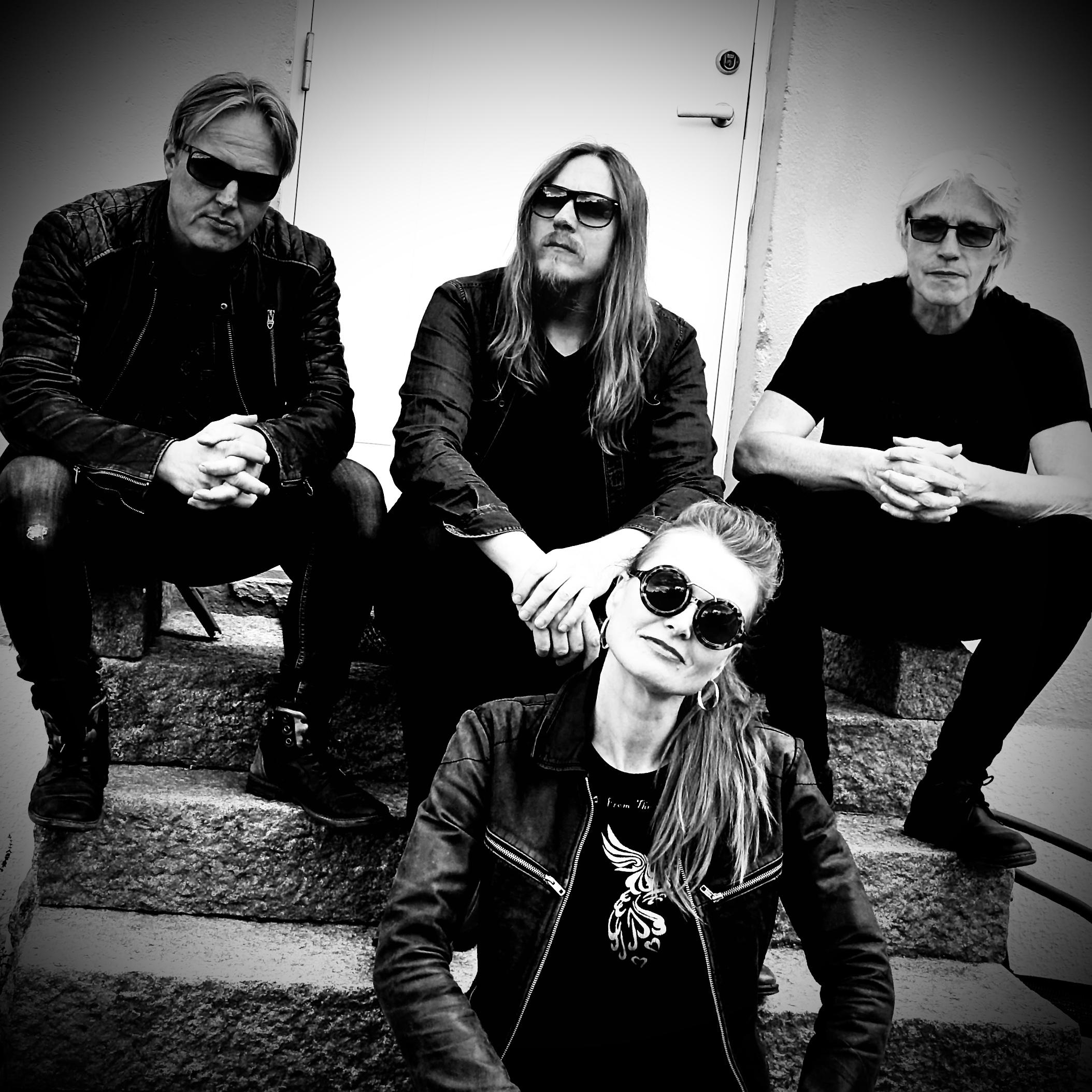 Tove Bøygard med band